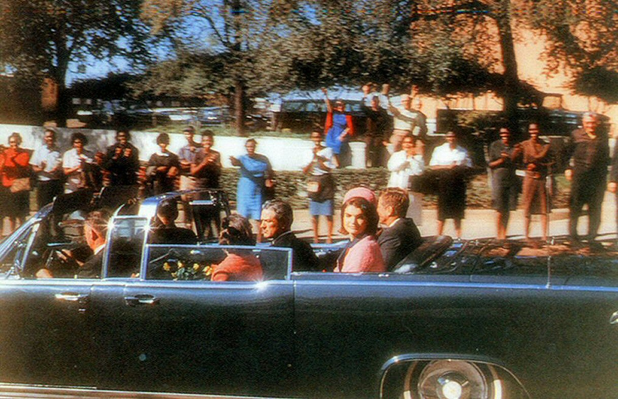 15c. Croft Photo Showing JFK's Car On Elm Street
