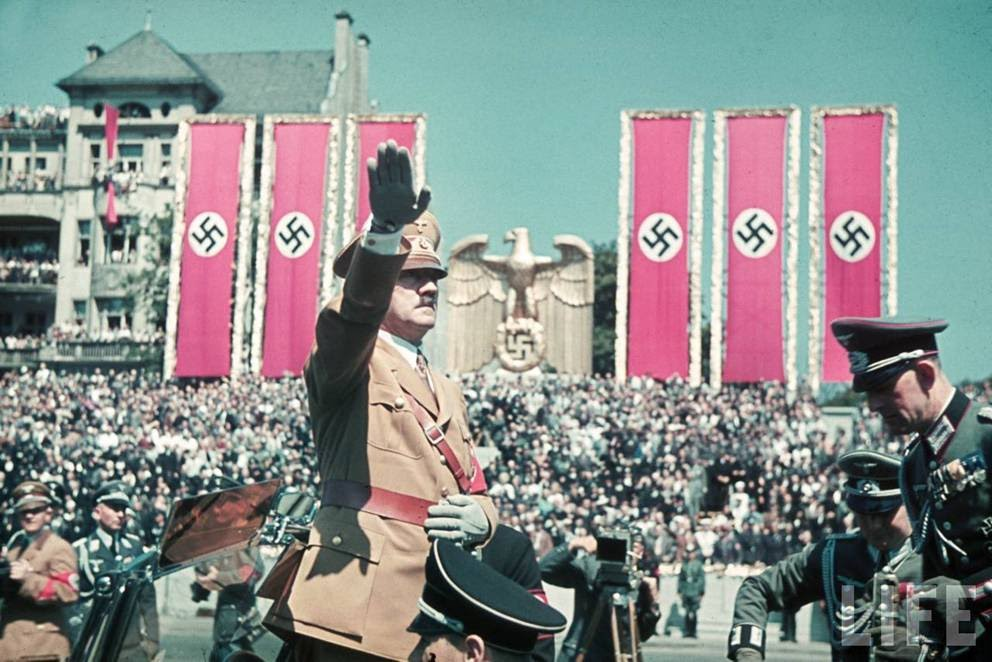 Adolf-Hitler-Color