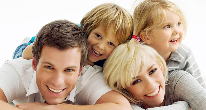 happy-white-family (1)