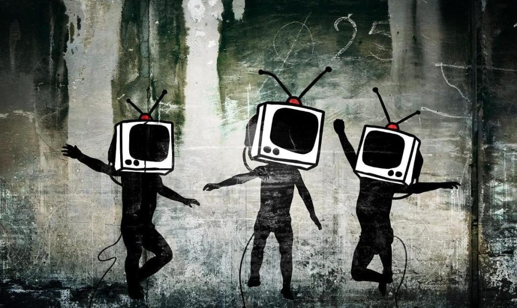 tv-head-propaganda-1024x768